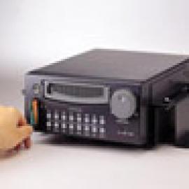 4CH Mobile Digital Video Recorder (4CH мобильный цифровой видеомагнитофон)