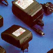 AC / DC Adapter (AC / DC Adapter)