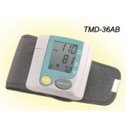 Sphygmomanometers/blood pressure monitors