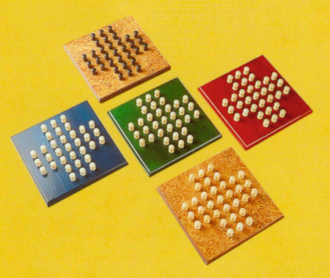 wooden square solitaire set (деревянный квадрат пасьянс)