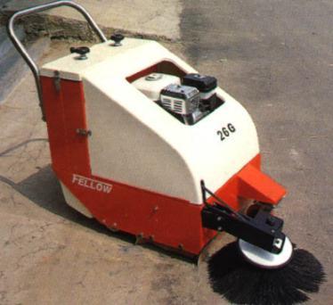 Vacuum sweeper (Вакуумная подметальная машина)