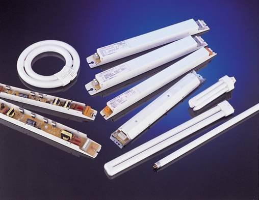 Два типа конструкции индукционных ламп по способу размещения электронного балласта:. Индукционная лампа с отдельным...