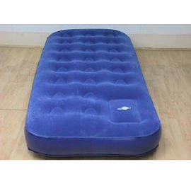 SINGLE SIZE FLOCKED AIRBED WITH BUILT-IN PUMP INFLATOR