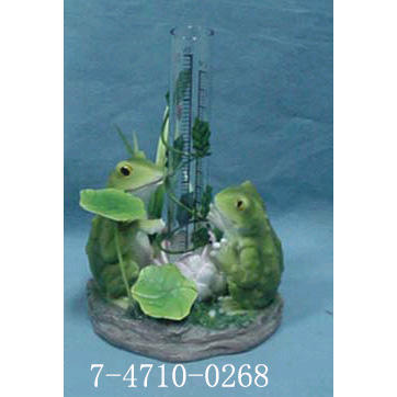 POLYRESIN FROGS RAIN GAUGE WITH METAL LILYPAD.