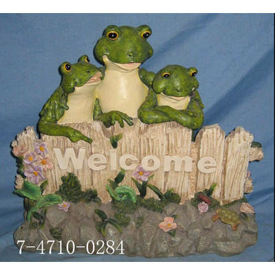 THREE FROG WELCOME