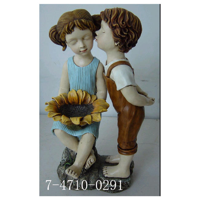 BOY KISSING GIRL W/SUNFLOWER (BOY KISSING GIRL W / Подсолнух)