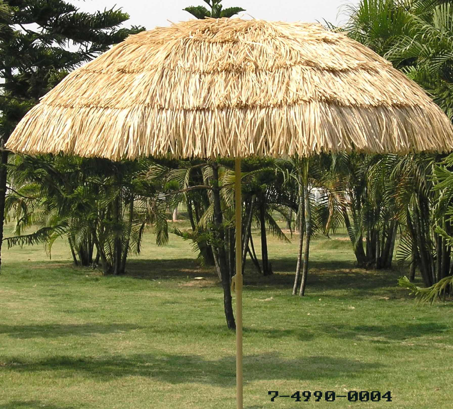 BEACH UMBRELLA + 6 PLY OF STRAW SKIRT