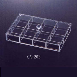 REMOVABLE 12-COMPARTMENT TRAY W/LID