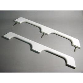 handrails (поручнями)