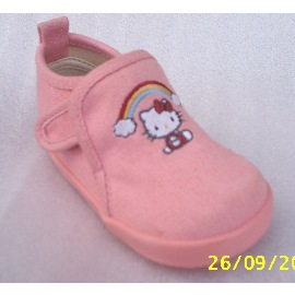 CHILDREN SHOE