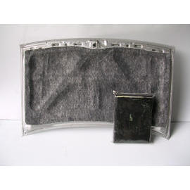 THERMAL INSULATION BLANKET FOR ENGINE HOOD