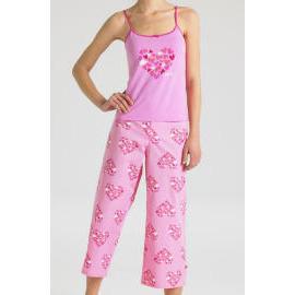 sleeping wear: pajama (Спальная одежда: пижамы)