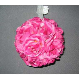 150MM ROSE KISSING BALL (150MM ROSE KISSING BALL)