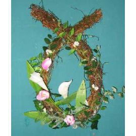 14`` TULIP & CALLY LILY WREATH (14``TULIP & LILY CALLY WREATH)
