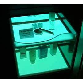 The display rack of Low temp. EL panel (На дисплее стойка Низкий темп. EL панели)