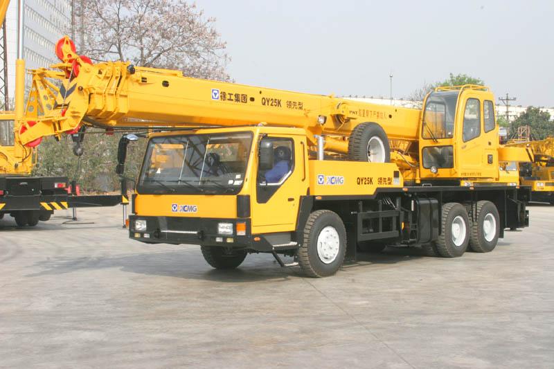 Qy25k Truck Crane Payload 25 Ton