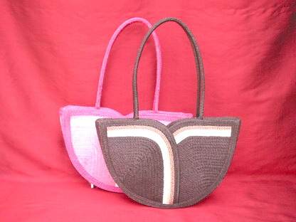 Handbag made of wicker bamboo in variety style.  Сумочка.