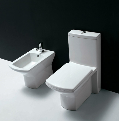 High Quality Toilets (Haute Qualité Toilettes)