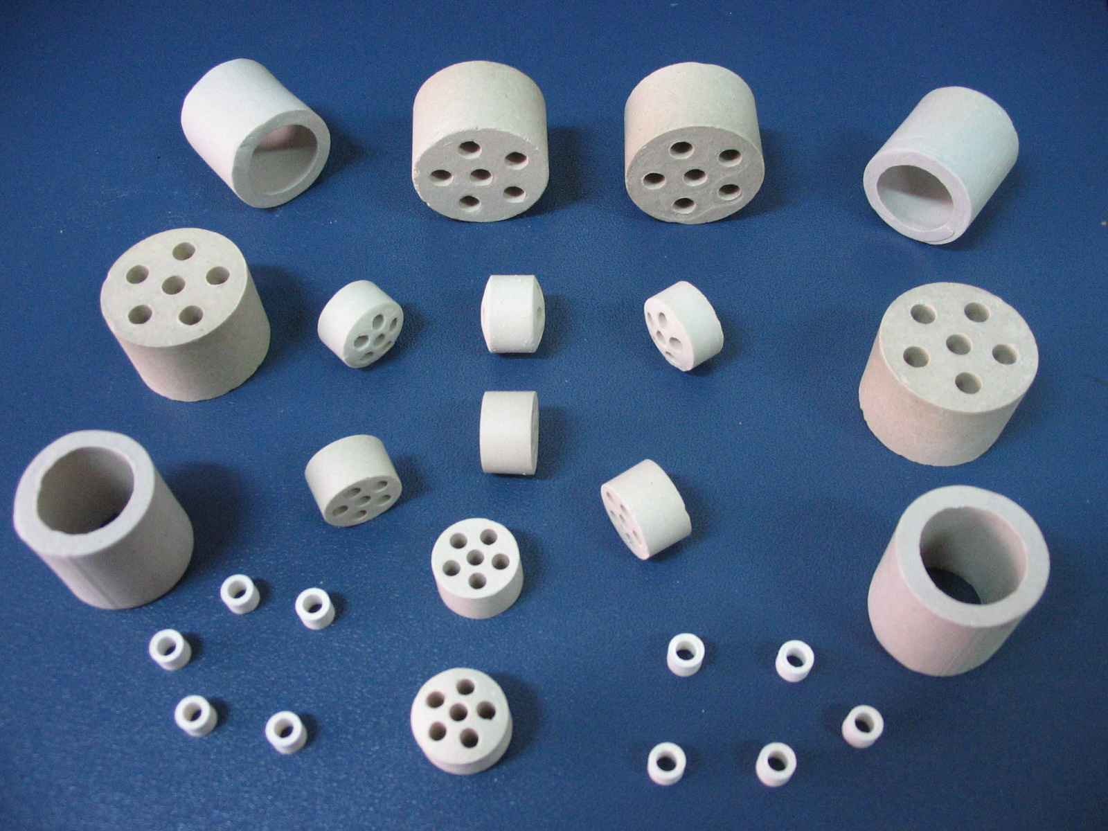 Ceramic Cylinder With Six Holes ( Ceramic Cylinder With Six Holes)
