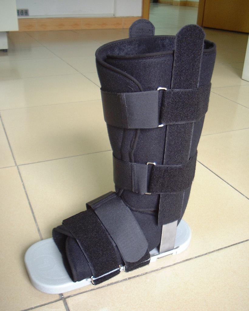 Walker Boot (Уокер Boot)