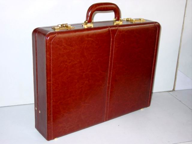 Attache Case (Чемоданчик)
