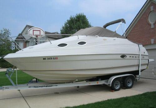 2001 Regal Luxury `01 27 Ft 2460 Commodore Boat (2001 Regal Luxury `01 27 футов 2460 Commodore Boat)