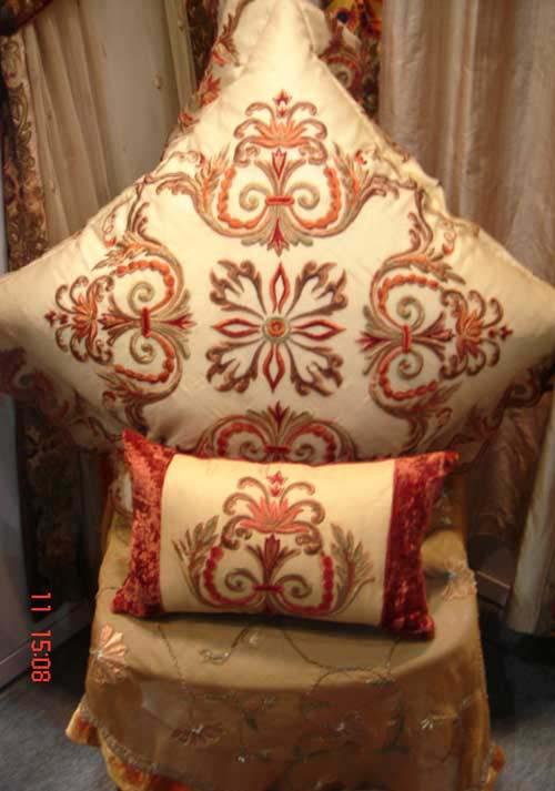 Hand Embroidered Home Furnishing Items, Cushion Covers & Curtains (Рука Вышитая главную комплектующих изделий, наволочки & Шторы)