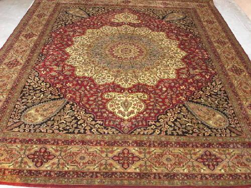 Woolen Rugs (Шерстяные ковры)