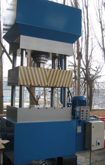 Hydraulic Deep Drawing Press With Double Efect