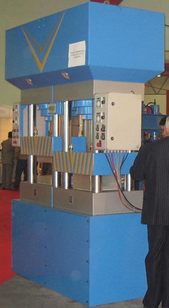 Hydraulic Double Compartment Rubber Mature Press (Гидравлические Double Квартал резиновые Пожилые Пресса)