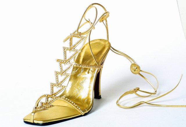 Shoe (Чистка)