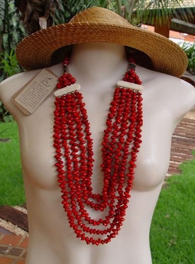 Necklaces (Ожерелье)
