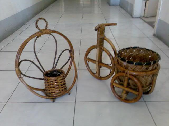 Rattan Flower Basket (Цветочные корзины из ротанга)