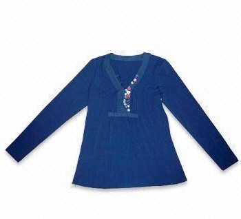 Famous Brand Name Clothes For Women Men And Children (Имя известной торговой марки одежды для женщин мужчин и детей)