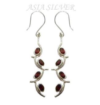 Silver Earring (Silver Earring)