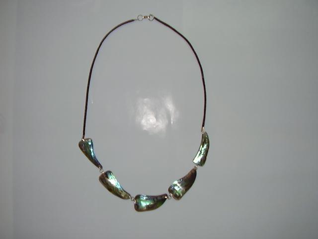 Mother-Of-Pearl Jewelry (Мать-of-Pearl Jewelry)