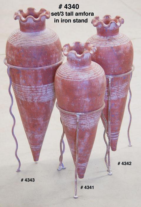 Mexican Urn In Iron Base (Мексиканские урны в железной основе)