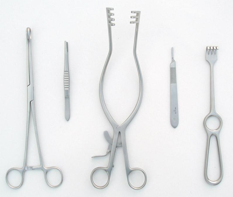 Surgical Instruments (Хирургические инструменты)