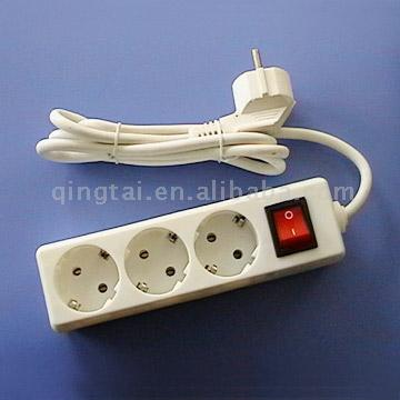 3-Gang Socket with Earthing and Light (3-Gang Socket с заземлением и легкими)