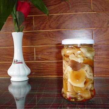 Pickled Nameko, Shiitake and Oyster Mushrooms (Pickled Nameko, shiitake et pleurotes)