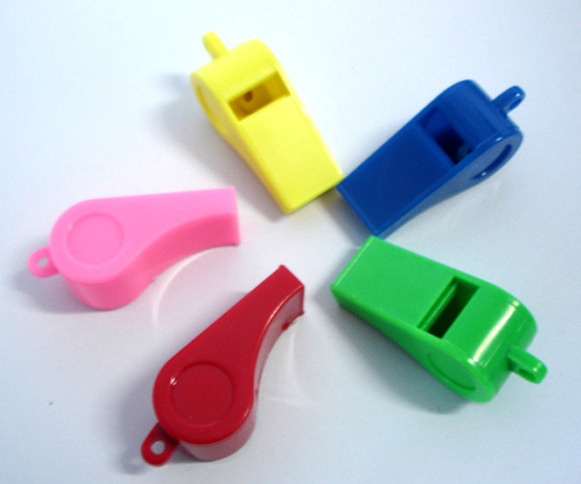 Plastic Whistle (Пластиковые Свисток)