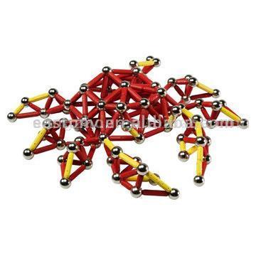 Очень интересный магнитный конструктор, который состоит из 186 деталей.