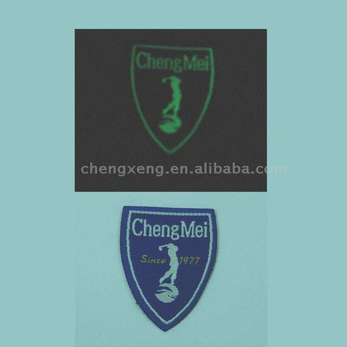 Shining Badges (Сияющий Значки)