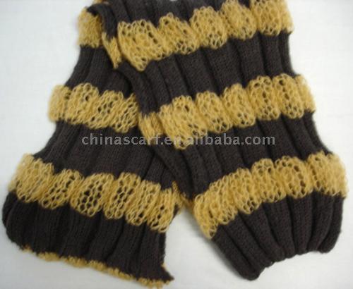 Описание: ажурный шарф-палантин из мохера.