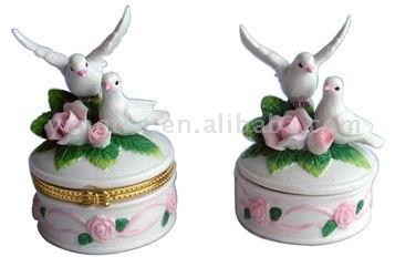 Pigeon Jewel Box (Pigeon Jewel Box)
