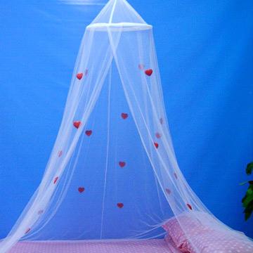 Bed Canopy With Hearts Applique (Кровать тент с сердцами Апликация)