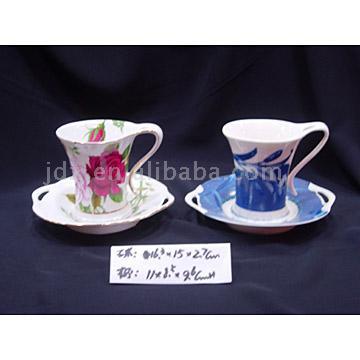 Porcelain Cups and Saucers (Фарфоровые чашки с блюдцами)