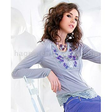 Printed T-Shirt with Lace on Bottom
