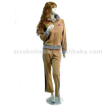 Women`s Sports Suit (Женский спортивный костюм)