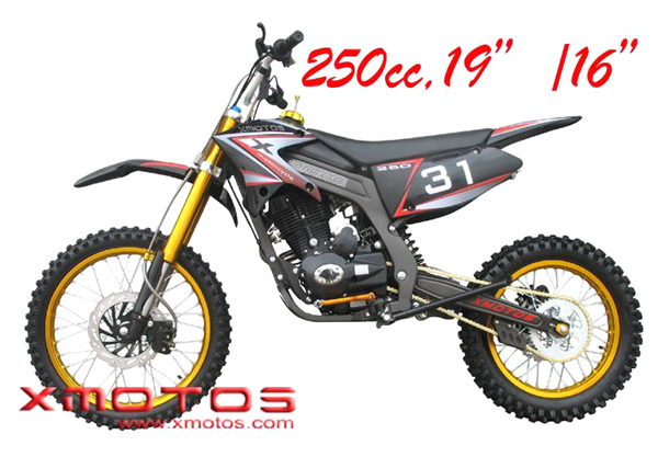 250cc Dirt Bike (250cc Байк)